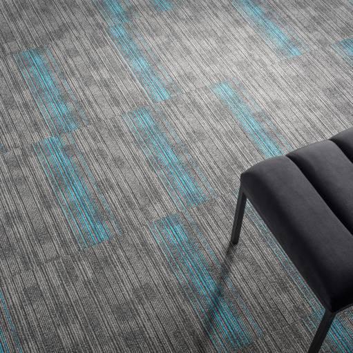 4B2H CloseUp carpet TRUST STRIPES 914 GREY 1